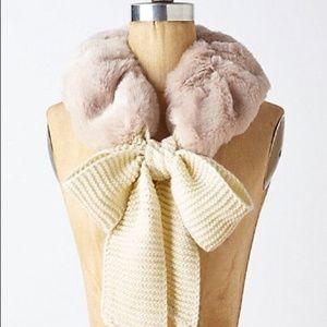 Anthropologie ett twa pink faux fur ascot scarf